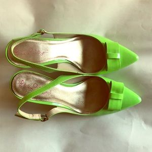 Size 8 lime green Lilly Pulitzer kitten heels